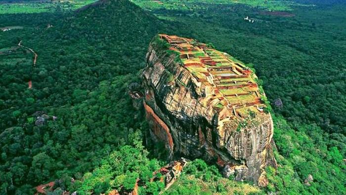Гора Сигирия - фото с высоты птичьего полета