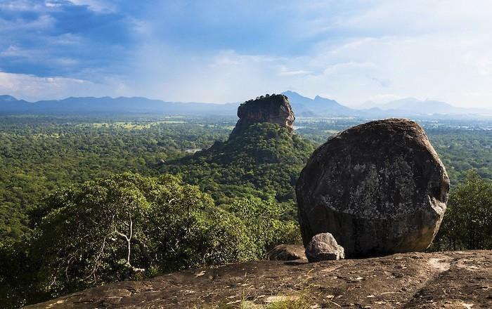 Гора Пидурунгала