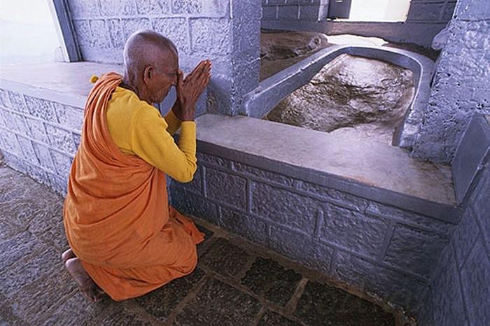 След Будды на горе
